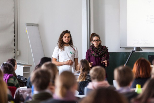 Tobi und ich während eines Vortrags an der Leuphana Universität in Lüneburg.