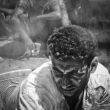 Schwarz-Weiß-Foto eines blinden Flüchtlings