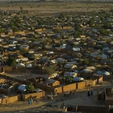 Foto eines großen Flüchtlingslagers im Chad.