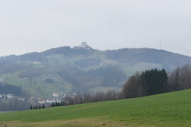 Foto von hügeliger Landschaft