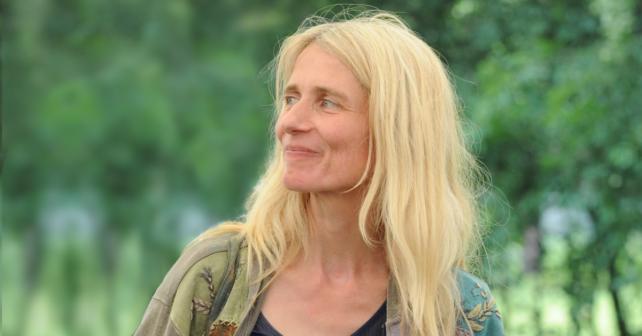 Foto: Portrait der Autorin Friedericke Habermann für das Interview über Solidarität in der Coronakrise